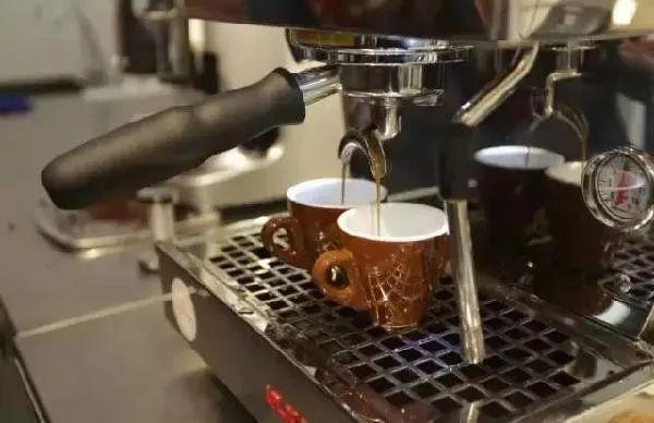 如果只用咖啡提神,那绝对不是咖啡控