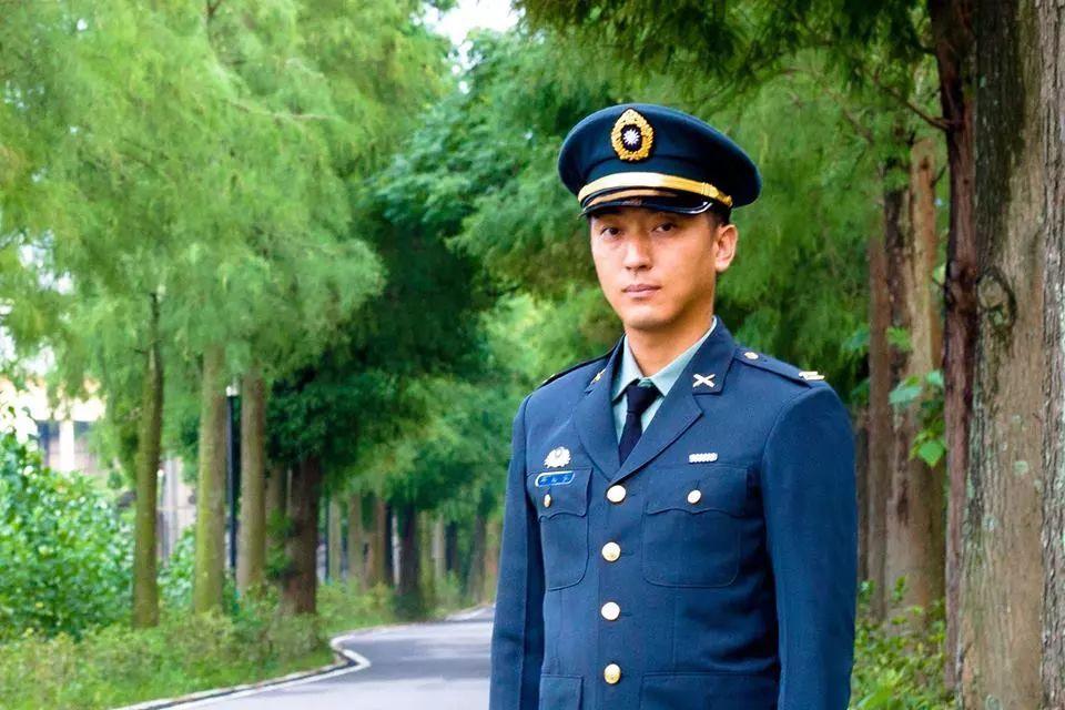 """台军官选择退伍:我是中国人,不能为""""分离主义""""而战!"""