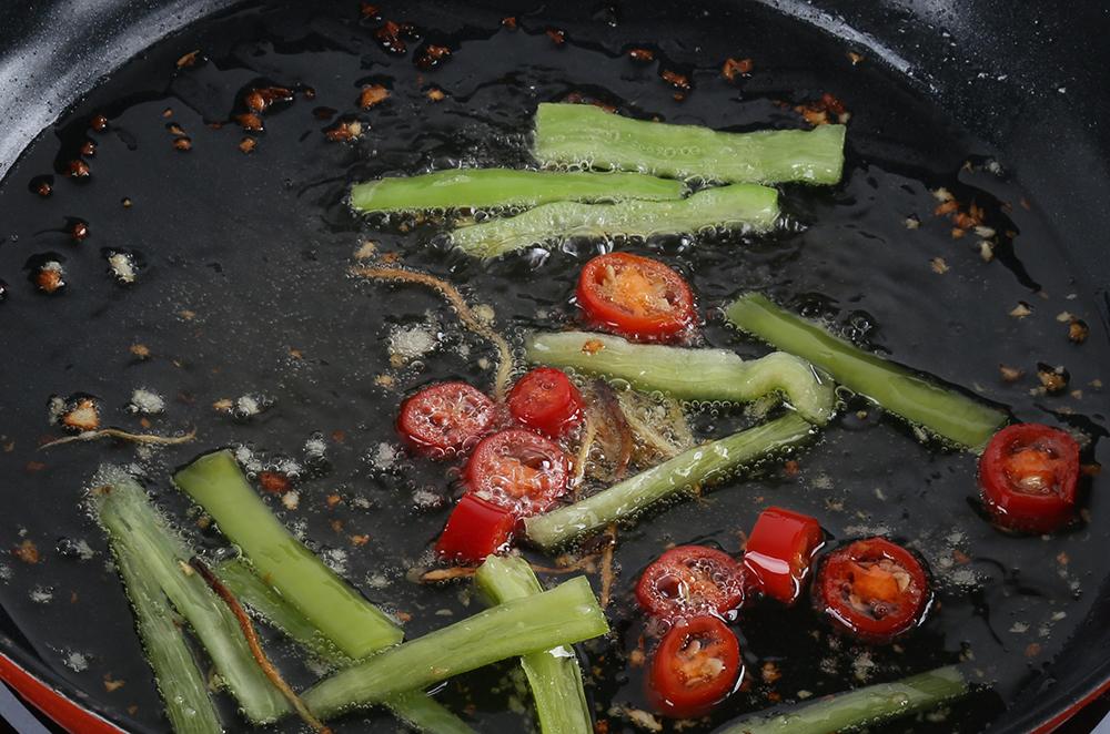水煮肉片儿怎么做?视频解答