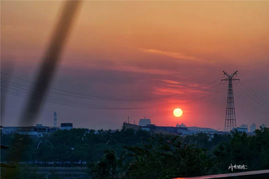 最美厦门红,两季的凤凰花,台风天前的晚霞,越夜越沸腾的杜尚图片 49752 1080x720