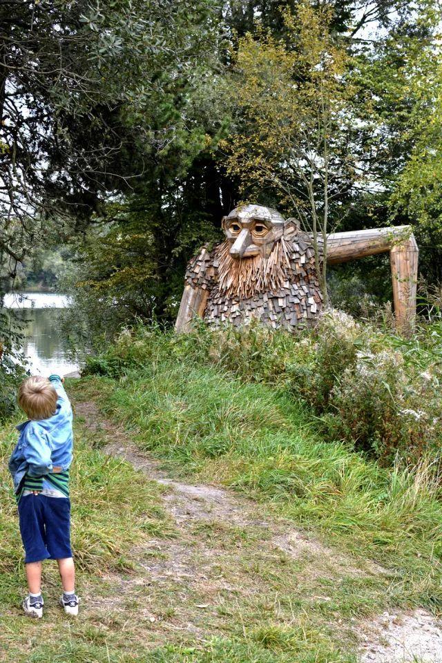 在丹麦的森林,我玩起了1,2,3,木头人!