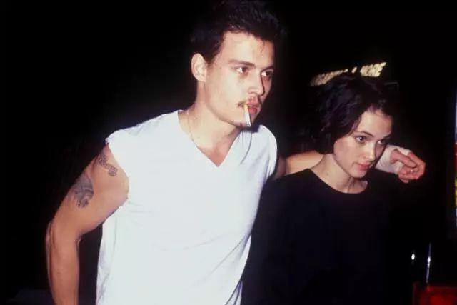 德普和薇诺娜分手后改掉了纹身图片