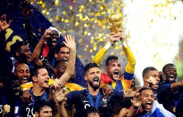 世界杯法国队夺冠,华帝退全款另有深意,网友直呼被耍了