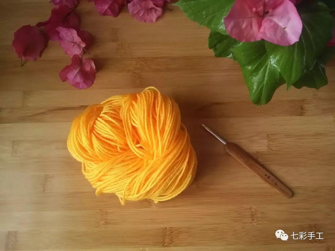 莲花单色坐垫钩针编织教程,超级简单,可做抱枕