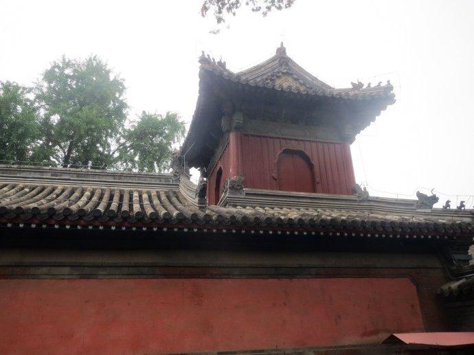 北京有座最神秘的寺廟,建寺500年沒開過門,不受香火卻不愁吃喝
