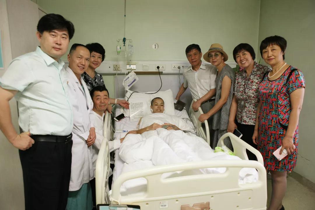 愿你积极治疗战胜疾病,祝好人一生平安—彭丽媛大使写信问候艾滋病患者刘丽萍