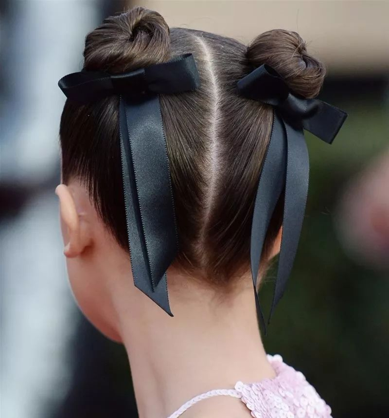 女人性结故事细结_高马尾配蝴蝶结,童话故事里的贵族小姐们都是这样的发型,典雅又可爱
