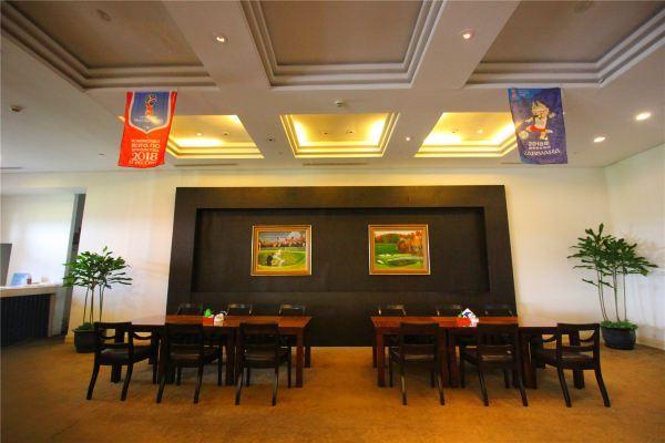这里可以享受中餐,自助餐,各类菜肴等你来品尝.