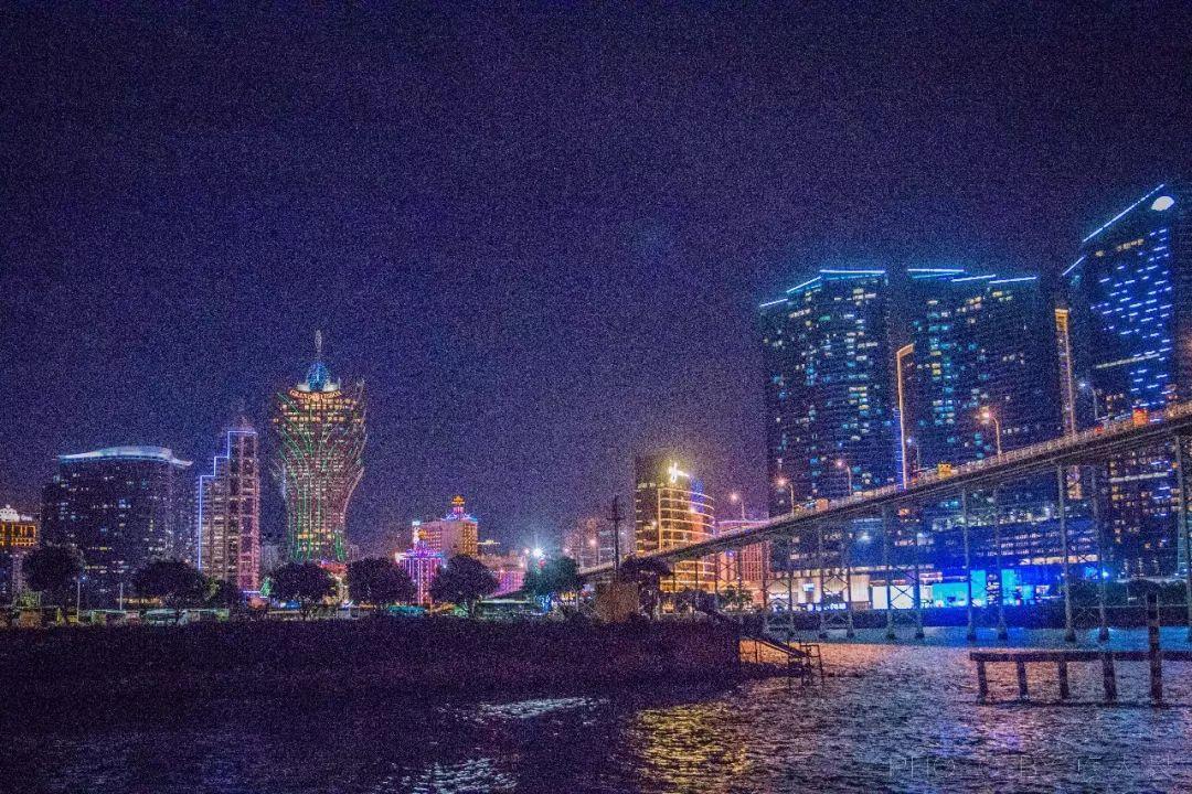 粤港澳大湾区旅行新体验在海上感受珠澳海湾的日与夜
