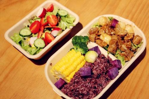 晚饭不吃主食能减肥_水果能不能代替正餐来减肥?
