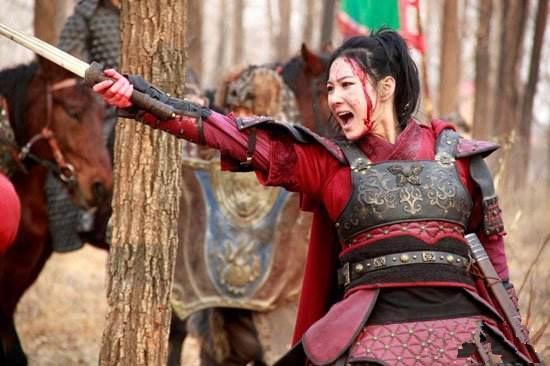 皇后带兵出征,惨遭抓捕,宁死不当其妃子,惨遭处以裸刑