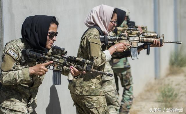军事丨阿富汗女性战术排,接受美军CQB城市近战训练