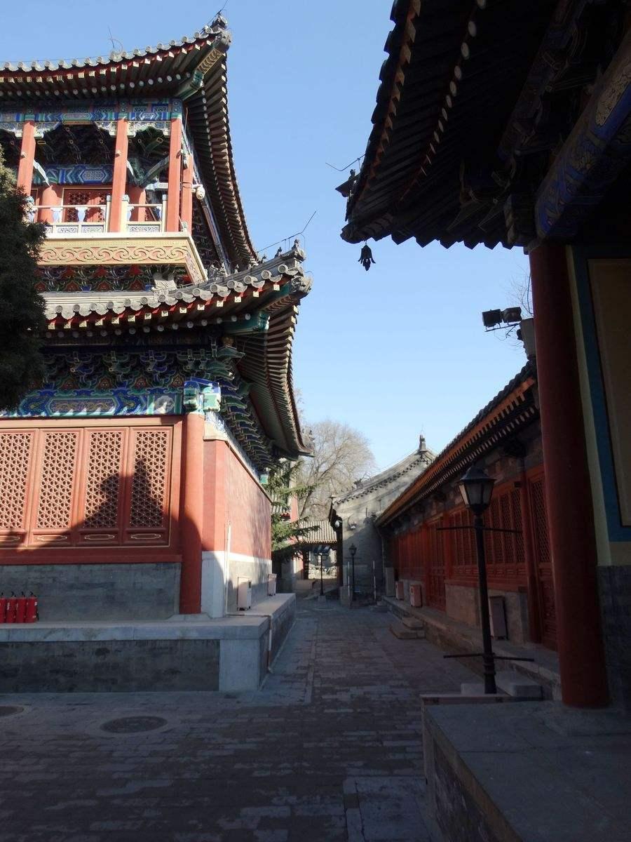 中国有两处坤宁宫,一个故宫一个京郊,老佛爷的称呼就从小坤宁宫来的