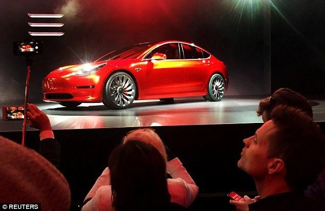 特斯拉Model 3生产一再推迟 预订客