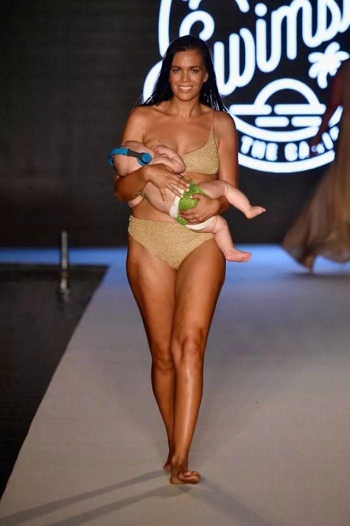 一边哺乳一边走秀,这个模特妈妈被网友们喷惨了.图片