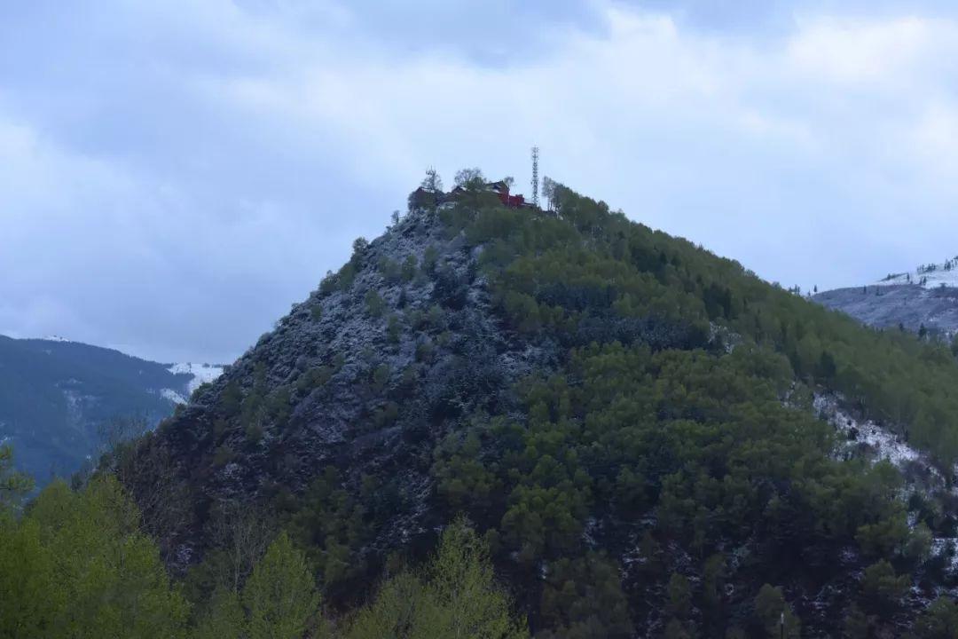 突发 五台山核心景区内山体滑坡 梵仙山段主干道被阻断