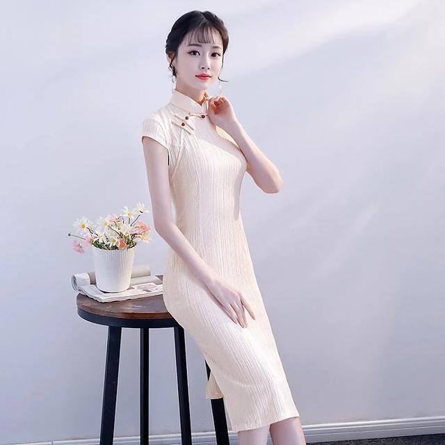 [原创]盛夏里的一抹小清新,米色旗袍新颖又别致!(图)