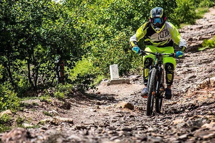 不会玩自行车的摄影师不是好司机 T-ROC和自行车的故事-领骑网