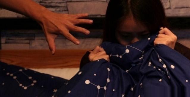 少女遭闺蜜设局关公厕供他人性侵,11个嫌犯中有5人未成年