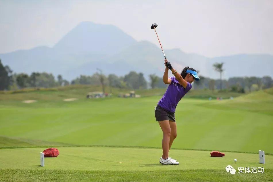 中国高尔夫球运动正处于起步阶段