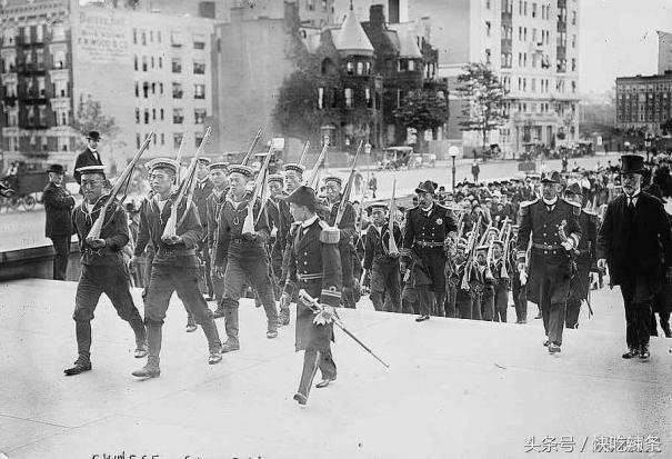 清朝一支部队出国执行任务,回国后本想着领赏,归来时已是民国