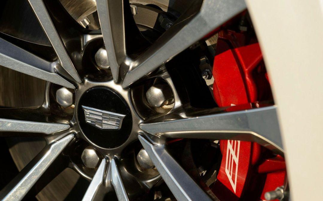 如果凯迪拉克不做汽车它会成为职业赛车手吗?