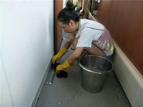 """""""玛莉亚""""台风期间南昌客运段z68四组全体工作人员坚守岗位"""