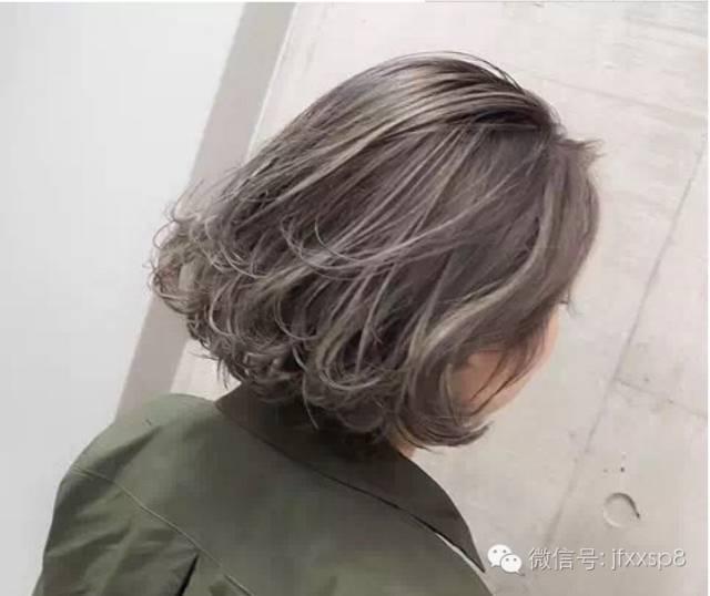 波波头也叫bobo头,从以往的齐脖沙宣发改变而来,加上发尾的纹理烫发图片