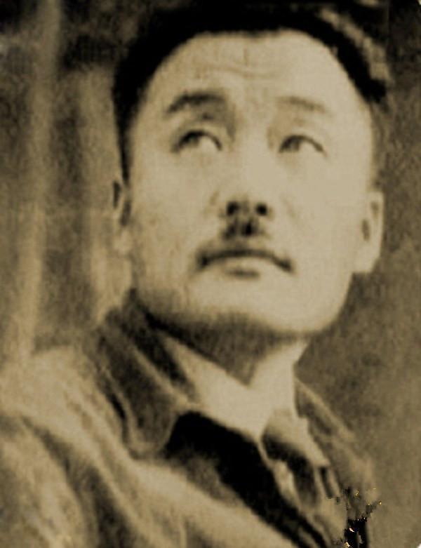 我军炮兵团首任团长,朝鲜二号人物,斯大林派飞机要挖他