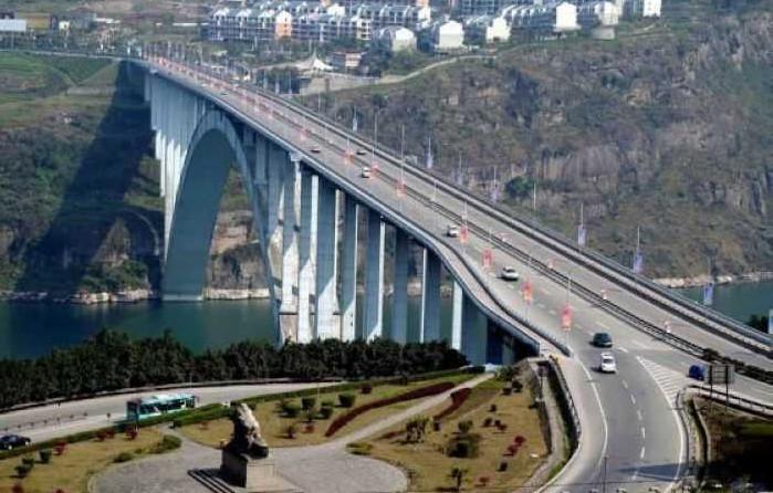 [原创]7月23日起,万县长江大桥限时限制货车通行,请提前做好出行规划(图)