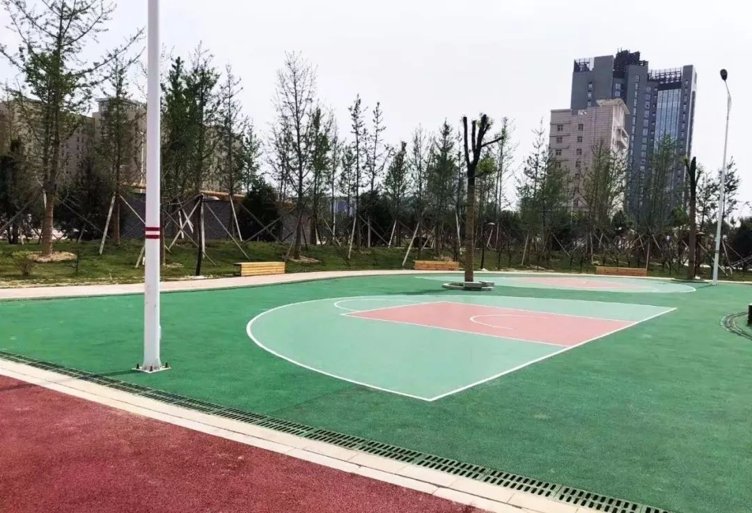 儿童,篮球场,乒乓球场,礼包公园,射击体育等已完工;迷宫步道将为奇幻健身2长廊图片