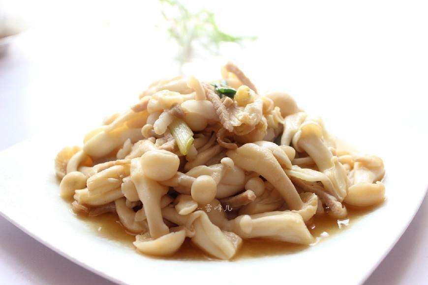 [原创]白玉菇是我家喜欢的一种菌类,经常吃点它清理肠胃还可降胆固醇(图)