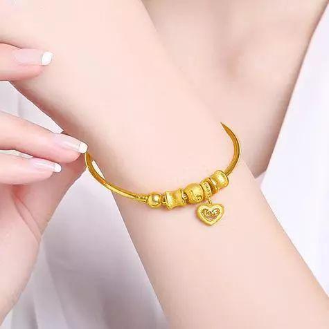 钻石手镯寓意是什么 送手镯有什么寓意