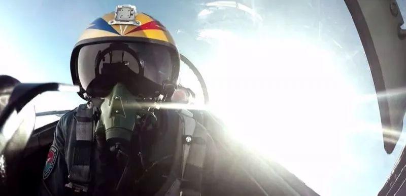"""空军""""金头盔""""比武:从飞行员到战斗员,急需一个""""自由空战"""""""