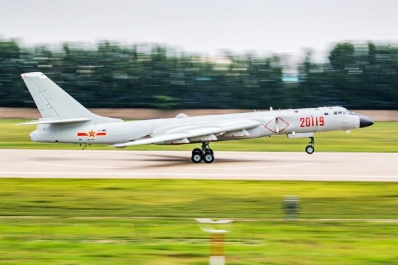 轰-6K战机首次赴俄,对外展示战略战术能力