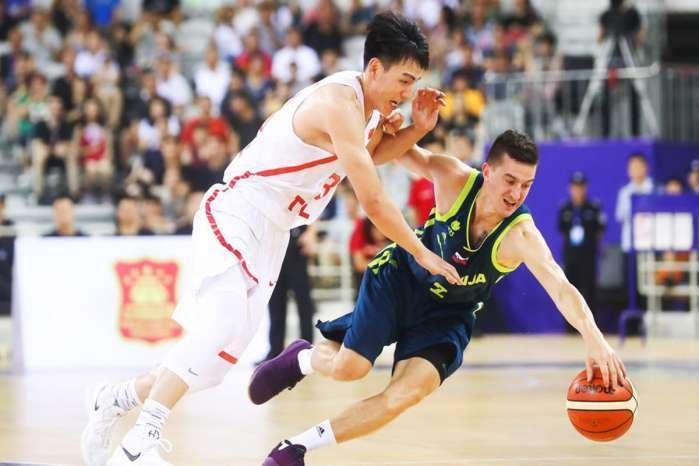 原创]蓝队队长回归代理队长依旧给力,未来中国男篮合并该有他一席之地(图)