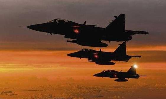 单价比F35还贵,印度空军一口气签下83架,网友:愚蠢的决定