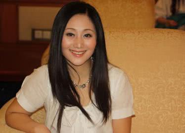 [原创]她是国家一级演员,演《还珠格格》走红,今53岁气质如30岁!(图)