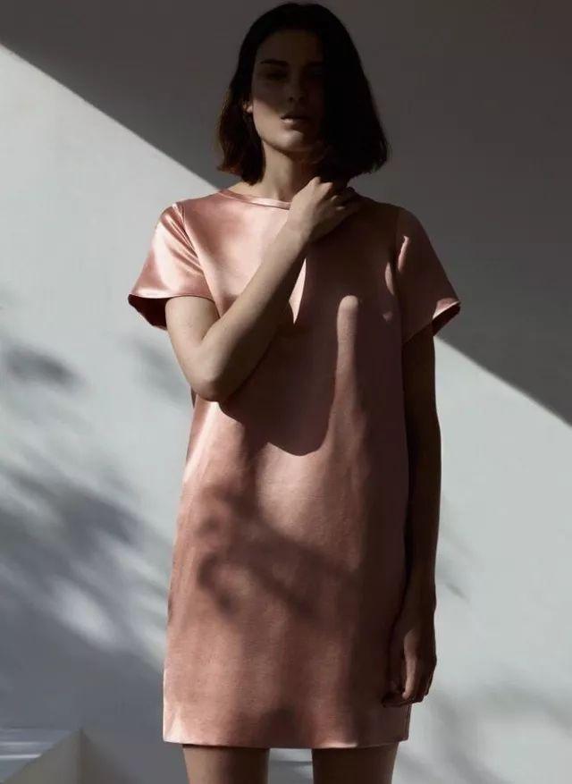 2018居然是时尚界的蜜桃色之年,你的少女心泛滥了吗?