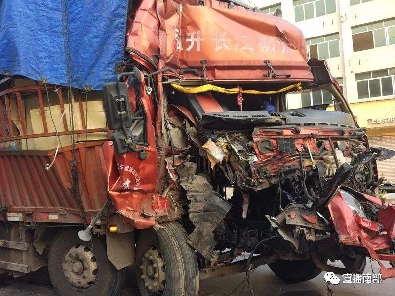 突发 南部昨日发生两起车祸!
