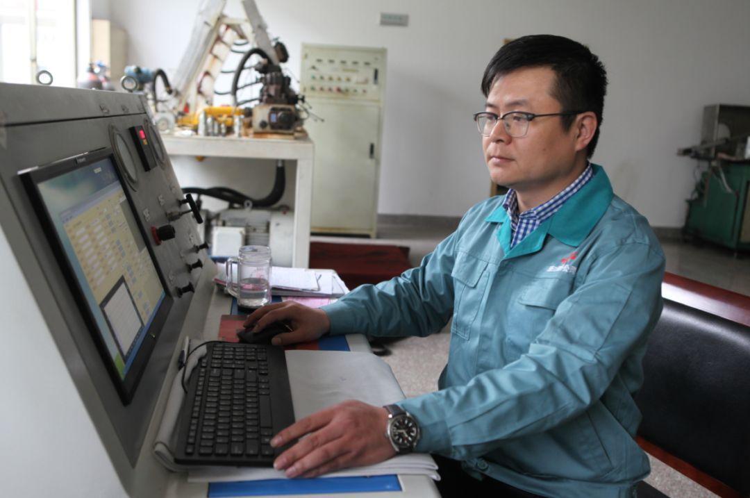 1998年高中毕业后进入松乔公司工作,现任浙江松乔气动液压有限公司图片
