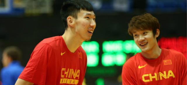 中国男篮大名单_中国男篮红队热身赛名单公布 两名NBA球员成最大亮点!