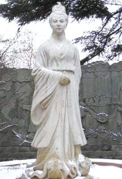 中国第一位女史学家明德皇后