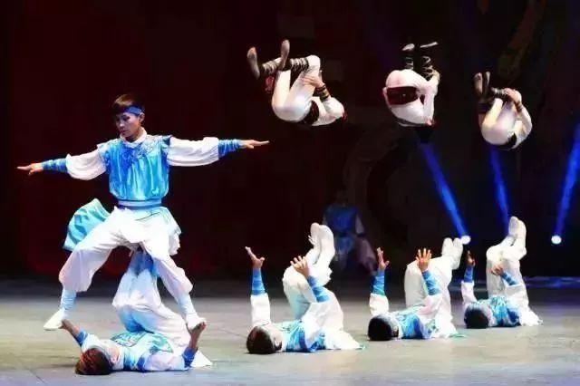 澳门人体表演_珠海长隆+澳门动车纯玩4日,住企鹅酒店+五星酒店!