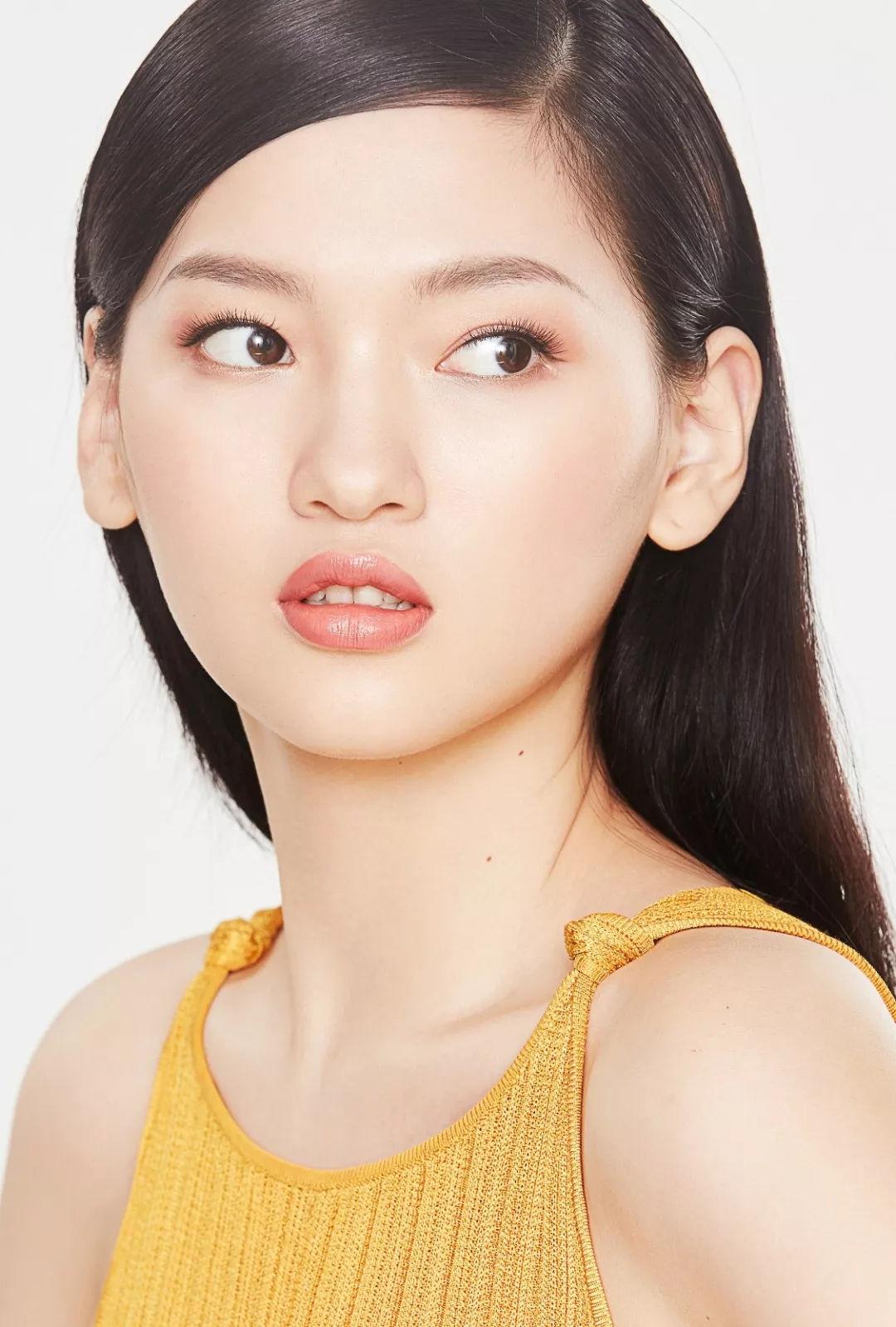 大学生美妆大赛_【模特大学生】郭艳最新美妆时尚大片 浓抹淡妆两相宜