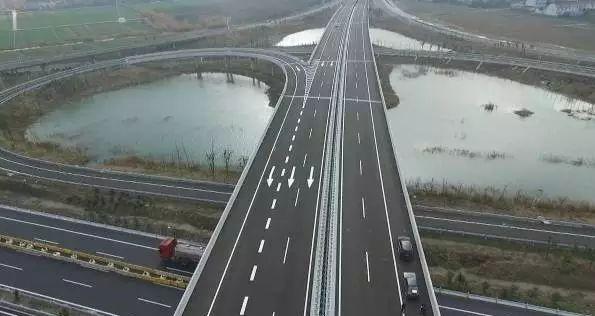 泰州大桥通车时间_以后泰兴人从这里去南京,时间上会节省半小时!
