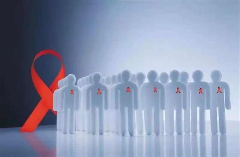 兩歲嬰兒感染艾滋,病毒到底哪來的? | 新京報快評