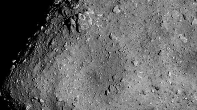 """""""隼鸟2号""""距离小行星龙宫更近了,距离仅6公里高清图像让人赞叹"""
