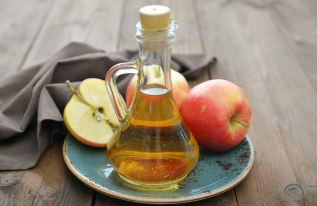 股市:步骤4个,4~8两米醋,500克苹果材料:1,用刀刮去苹果的果蜡冰糖集合操作竞价步骤图片