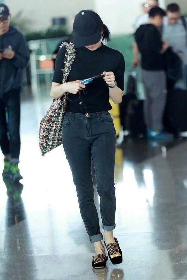学生时代的刘诗诗朴素、美艳绝尘,如今的她穿着低调气质优雅!